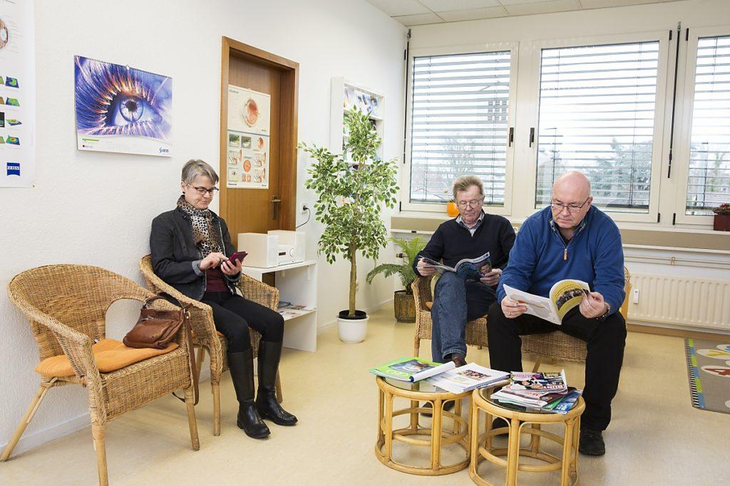 Im Wartezimmer bei Augenärztin Koulen (Fotograf: Markus Palzer)